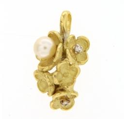 Quaglia Ciondolo Oro giallo 18K Perla e Diamanti
